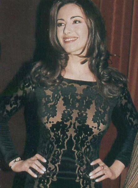 Emanuela Folliero » Foto: http://www.foto-vip.it/Emanuela_Folliero/Foto